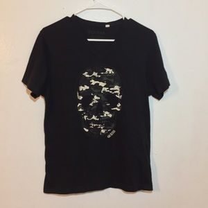 Guess Jeans Skull V-Neck Graphic Tee